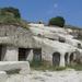 Riolittufa: Barlanglakások, kaptárkövek