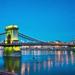 Lánc híd kék órában