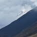 Tongariro Távolban havas csúcsok