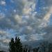 Hajnali felhő-legyező