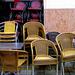 székek az esőben4