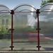 Buszmegállóban 2.