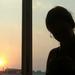 Lány az ablakban