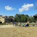 Zenepavilon: épül a park a hotelek előtt
