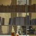 Csatos üveg, könyvespolc