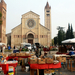 Bolhapiac a San Zeno Maggiore-bazilika előtt